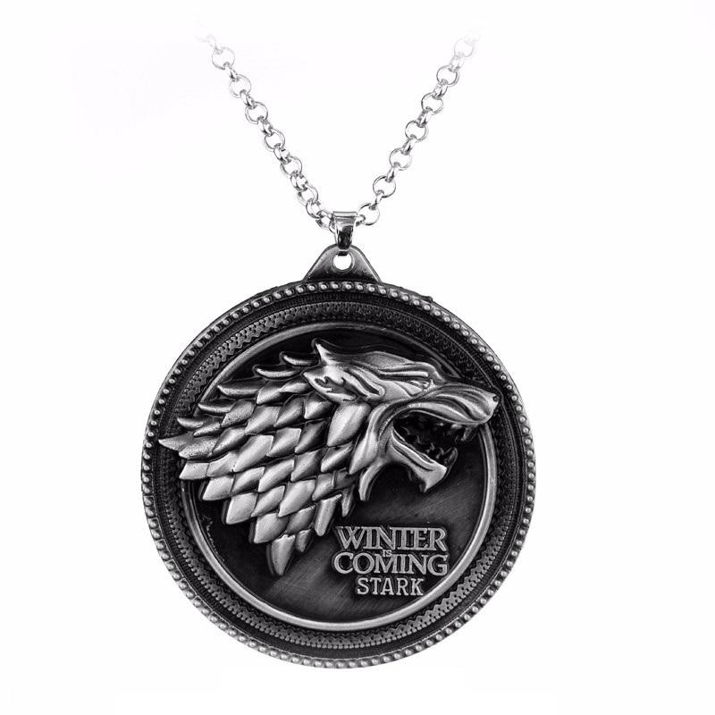 "Pandantiv Medalion Lantisor Game of Thrones Winter is Coming"" House Stark Wolf Lup Silver med324 Medalioane"